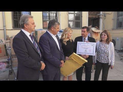 Παράδοση εφοδίων στον κόμβο Αλληλοβοήθειας Πολιτών του δήμου Αθηναίων