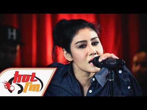 ELLA - ISTIMEWAH (LIVE) - Akustik Hot - #HotTV