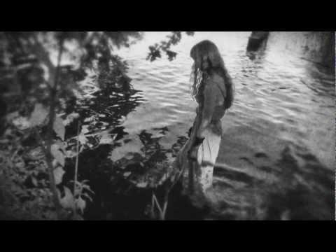 MELENTINI - AiRa (The Clown Girl)
