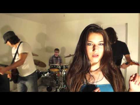 Miley Cyrus - 7 Things cover by Sabrina Vaz