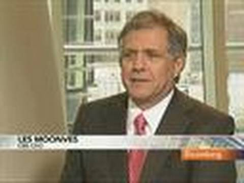 CBS's Moonves Discusses Use of Cash, Radio Stations, CNN: Video