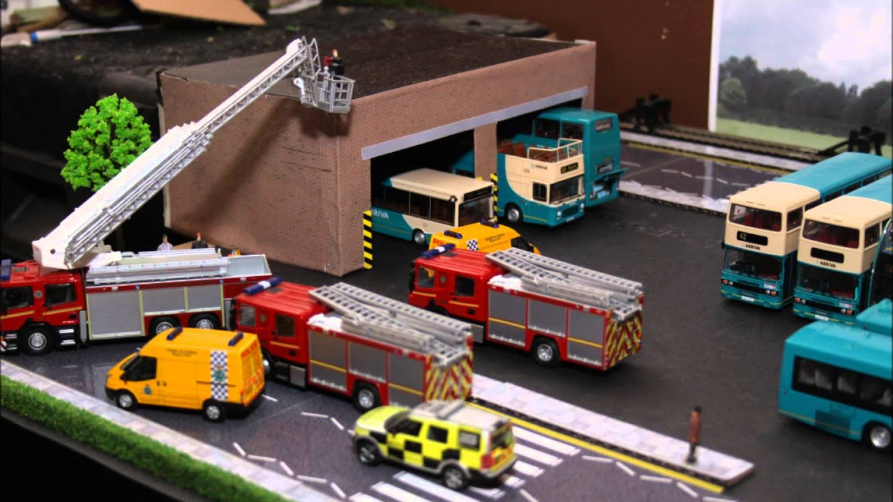 toy buses with Watch on Sumo Hd Systems Selected Foton in addition Apparently Riding A Hobby Horse Is A Real Sport In Scandinavia together with Cta moreover File Wright Eclipse bus model further File Atheist Bus Model.