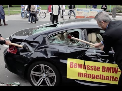 Protestaktion IAA Frankfurt 2013 : BMW M6 demoliert! Vol1 von YouTube · Dauer:  2 Minuten 49 Sekunden
