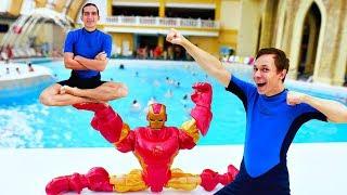 Школа героев Акватим в аквапарке - Железный Человек мешает посетителям.