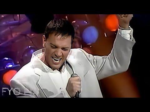 MARIO PELCHAT - Pleurs Dans La Pluie (Live / En Public) 1993
