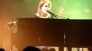 Coeur de Pirate Live à L'Usine Istres 16/03/12 - 3 - La vie est ailleurs HD