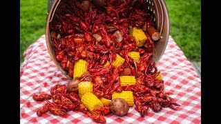 HOW TO: LOUISIANA CRAWFISH BOIL | THE BEST FLAVOR! NO SAUCE ON THESE SHELLS!