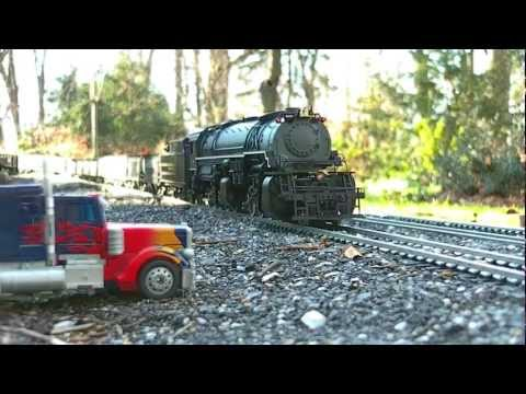 Christmas Eve Garden Railroad Fun