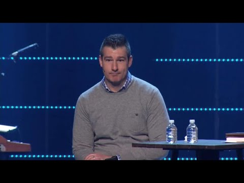 "Pastor gets standing ovation after confessing to ""sexual incident"""