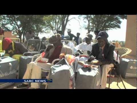 South Africans living in Zimbabwe remember Mandela