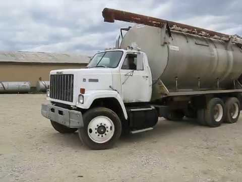 8/9 BigIron Online Auction 1986 GMC Brigadier T/A Feed Truck