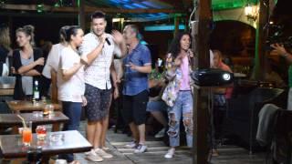 "Autocarul ""Super Trip"", in Cetatea Alba Carolina - concurentii provocati la un karaoke"