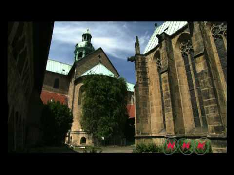 St Mary's Cathedral and St Michael's Church at Hildesheim (UNESCO/NHK)