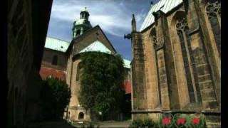 Video St Mary's Cathedral and St Michael's Church at Hildesheim (UNESCO/NHK) download MP3, 3GP, MP4, WEBM, AVI, FLV Agustus 2018