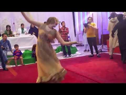 Afghan Herati girl nice dance in wedding 2019 with Farsi song Dilbar رقض زیبا دختر  افغانی