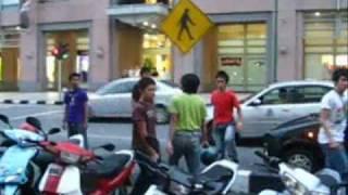 Gambar cover Gang Fight Sarawak Plaza,Kuching