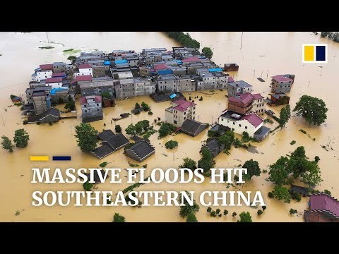 China's massive floods move east, battering communities along Yangtze River