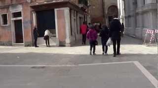 Città di VENEZIA: Altri 300 masegni sostituiti in C.S.Margherita (230 in Campo,70 verso i Carmini).