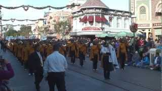 Aguiluchos Marching Band: Puebla, México - Disneyland 2012