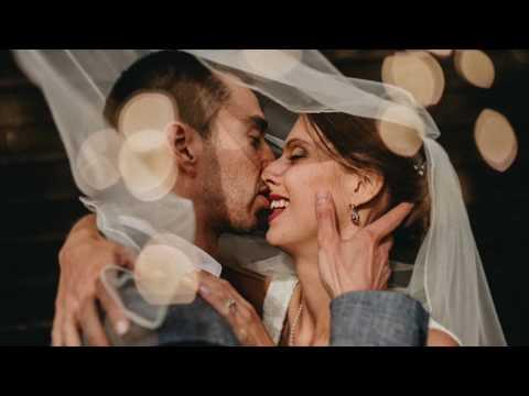 Coggeshall Grange Barn - London wedding photographer