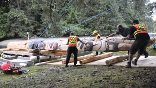 Gwaii Haanas Legacy Pole arriving at Windy Bay, Haida Gwaii