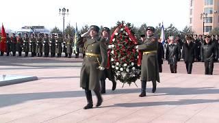 видео: В Хабаровске возложили венок и цветы к Вечному огню