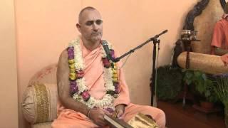 2009.06.25. Kirtan by H.H. Bhaktividya Purna Swami - Riga, LATVIA