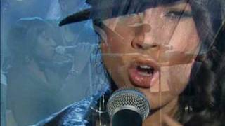 Alicia Keys - You Don t Know My Name (Live Wetten Dass 2004)