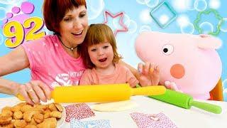Фото Бьянка и свинка Пеппа пекут Печенье - Маша Капуки и рецепты для детей