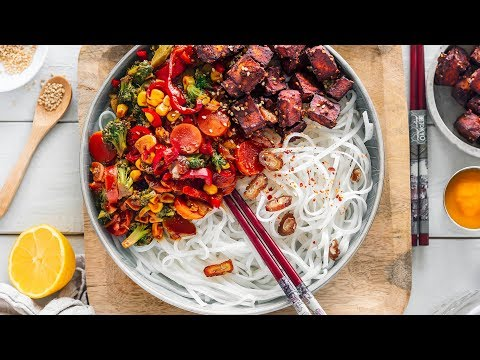 TOFU NOODLE BOWL // plantbased dinner idea