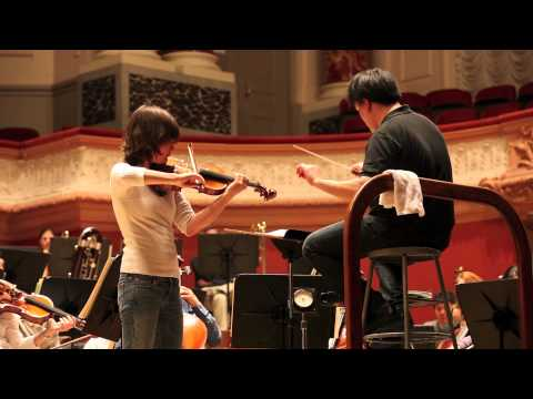 Lisa Batiashvili, Alan Gilbert, and the New York Philharmonic Rehearse, 5/12/2011