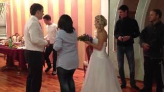 Подвязка и букет невесты! Супер-видео!)))