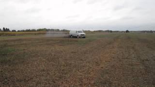 field donuts in my straight pipe 1985 ford e350 6 9l diesel van