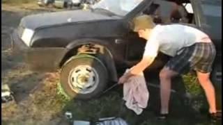 Прикол... Как завести машину без стартера и не толкая =)))