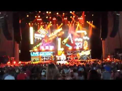 Def Leppard - Animal - 06/25/17 - Klipsch Music Center - Noblesville