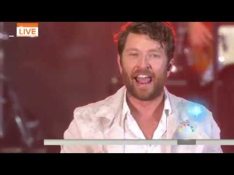 brett-eldredge-sings-'somethin'-i'm-good-at'-live