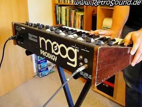 Moog Prodigy Analog Synthesizer (1979) sound demo