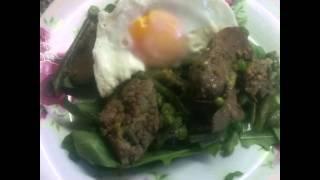 Салат из куриной печени и руколлы