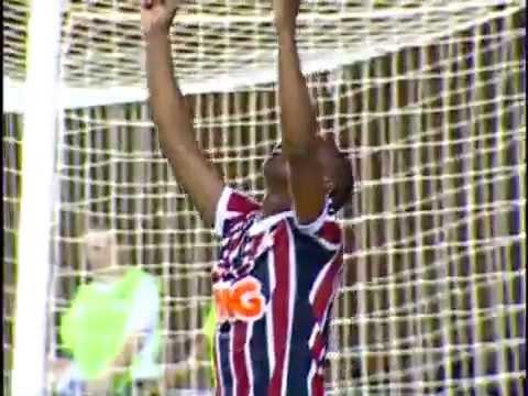 Golaço de Wellington (SPFC) contra o Bahia