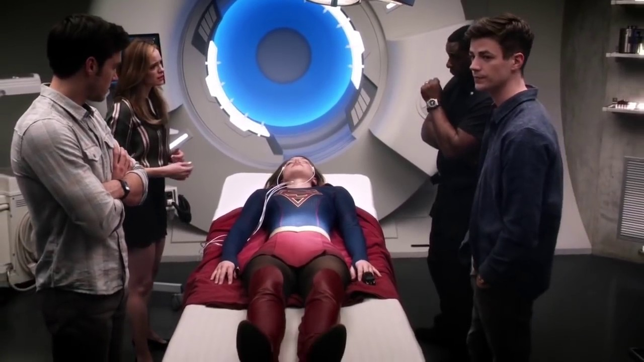 Download Team Supergirl Goes To Earth 1  The Flash Season 3 Episode 17  Duet