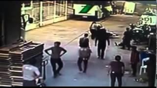 Repeat youtube video มนุษย์ป้า จับได้ผัวมีชู้ตามมาเอาเรื่องที่ทำงาน ก่อนผัวขี่รถหนีจะคว่ำ
