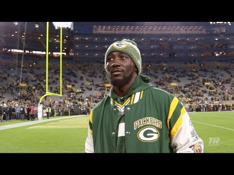 terence-crawford-visits-green-bay-for-monday-night-football