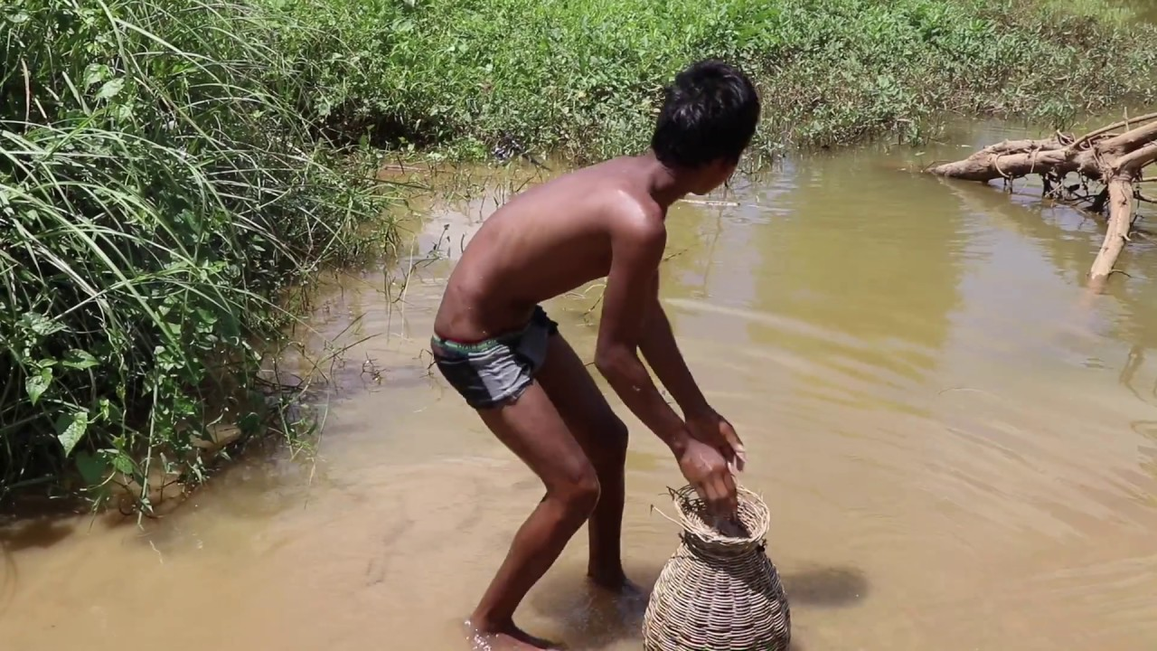 New Baby Duck Lure Fishing Challenge Amazing Children Hook Big Fish Challenge In Cambodia
