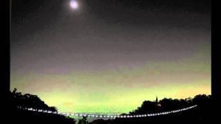 앨범 : 夜はそのまなざしの先に流れる(2012/11/21) 노래 : 空気公団 ---...