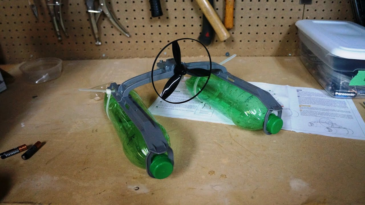how to make a motor boat with a bottle