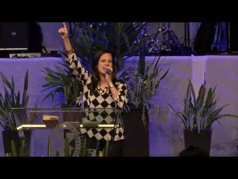 Salmista Jennifer Lluberes   CAP 2013   2do día Tarde