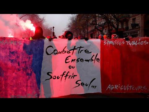فرنسا: الإضراب احتجاجا على خطة ماكرون لإصلاح نظام معاشات التقاعد يدخل يومه الثاني  - 12:00-2019 / 12 / 6