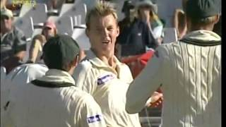Brett Lee bossing South Africa again YOU ARE OUTTA HERE   AWESOME DELIVERY   3