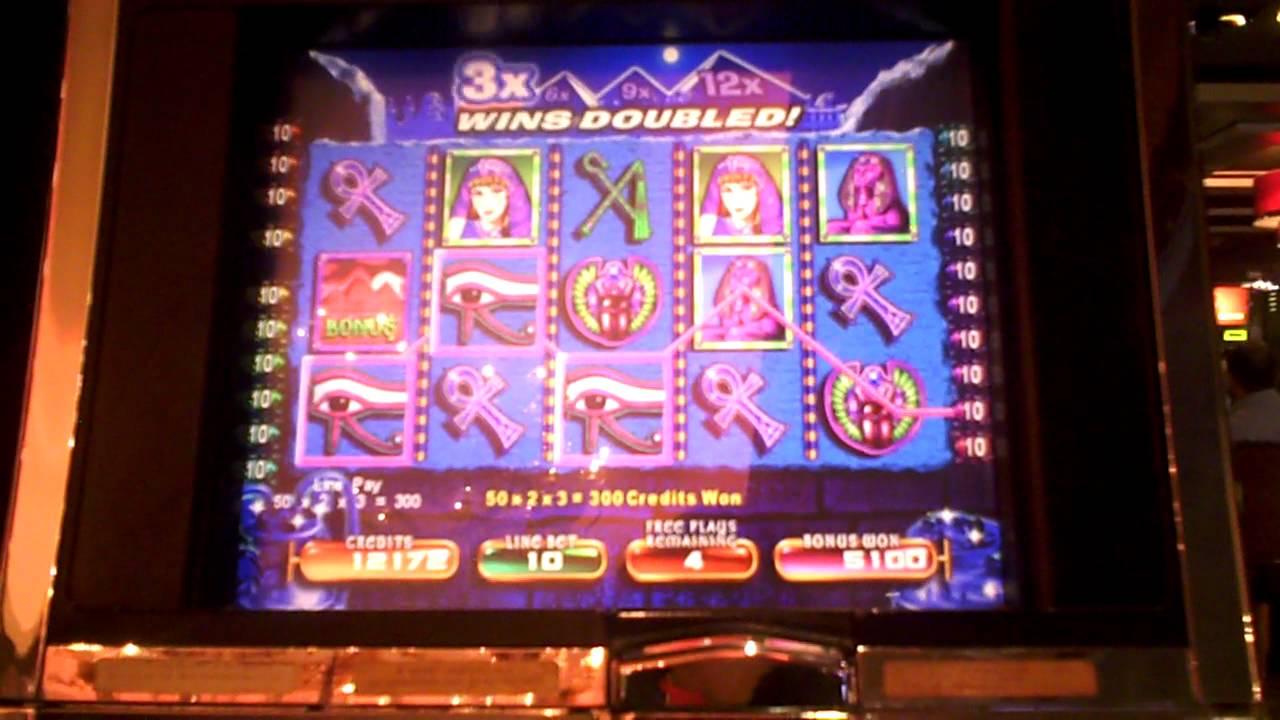 Pyramid Of The Kings Slot Machine