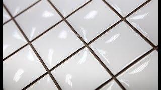 Белая плитка с темной затиркой